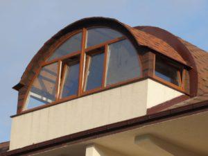 Красивый балкон в частном доме