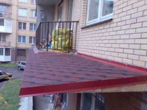 Черепичная крыша на балкон