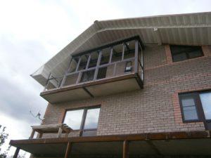 Балкон под ключ в частном доме